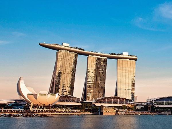 Singapore Luxury Hotel And Lifestyle Destination Marina