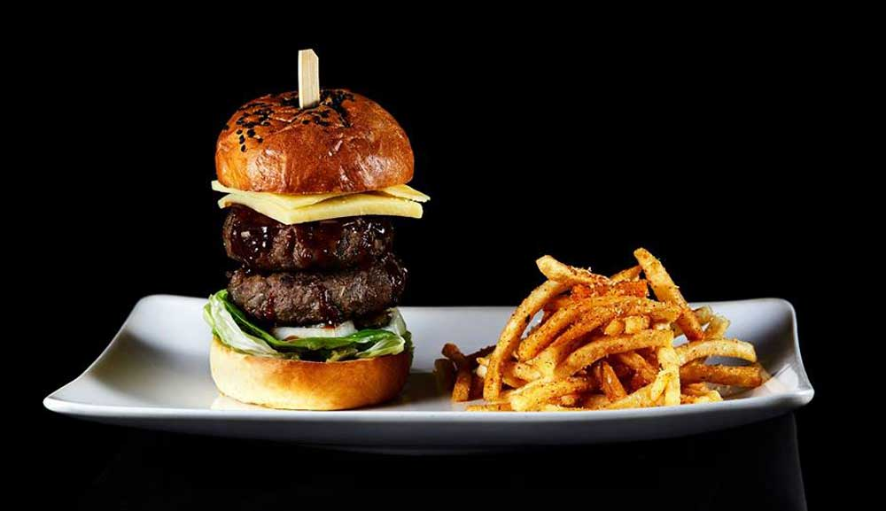 CÉ LA VI Club Lounge - BBQ Gourmet Burger & Truffle Fries