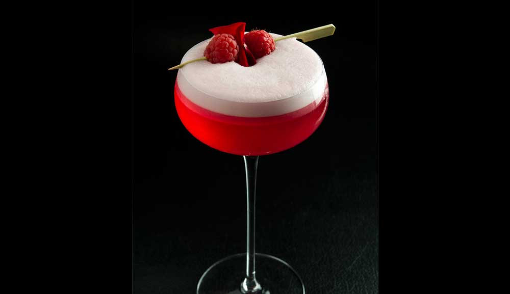 CUT Bar & Lounge - 'Forbidden Kiss' Cocktail