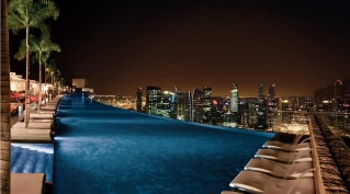 <b>Marina Bay Sands</b> Light and Water Show - Adventures with Family