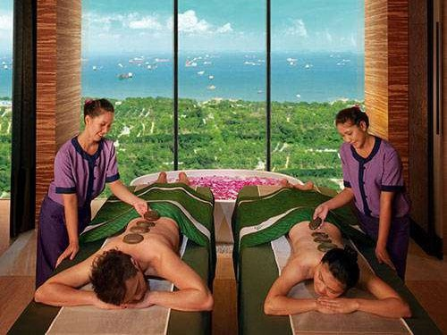 Couples massage at Banyan Tree Spa