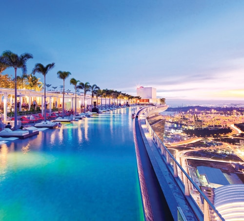 Marina bay sands singapore hotel with infinity pool and for Singapour marina bay sands piscine