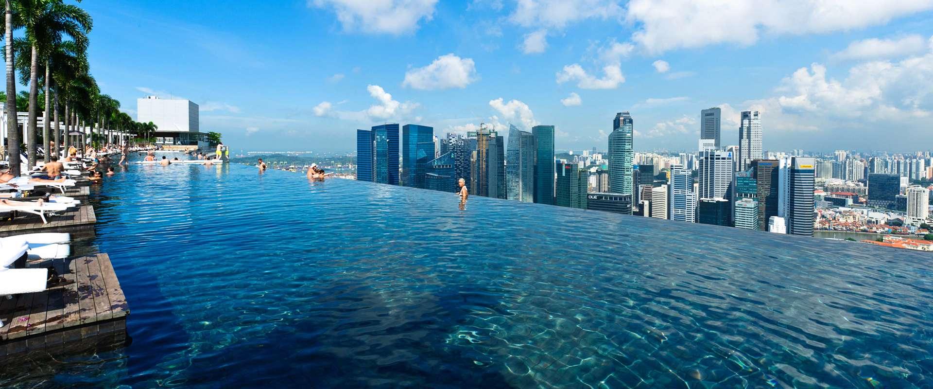 Infinity Pool Singapore Hotel