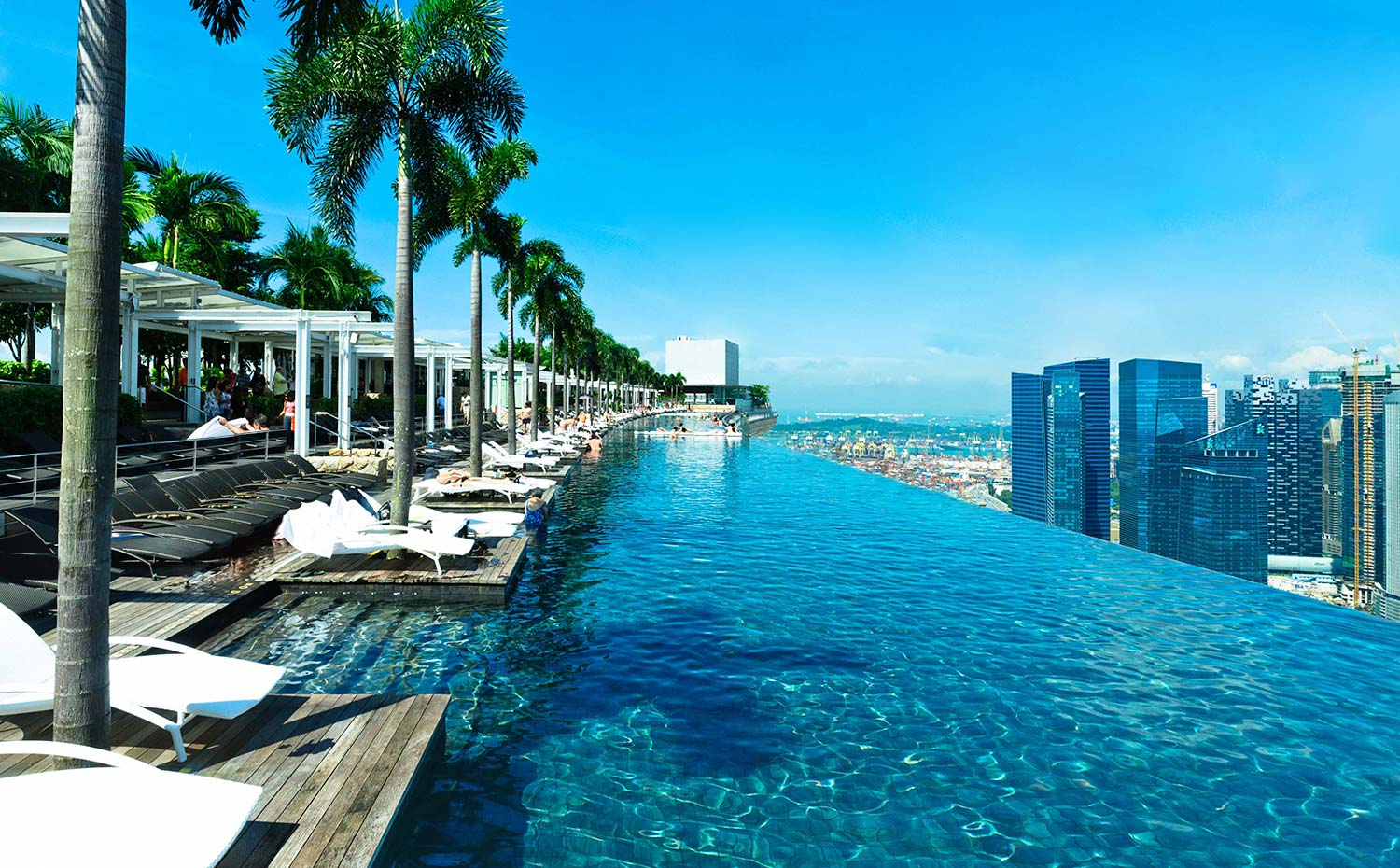 Infinity Pool - suite-deal