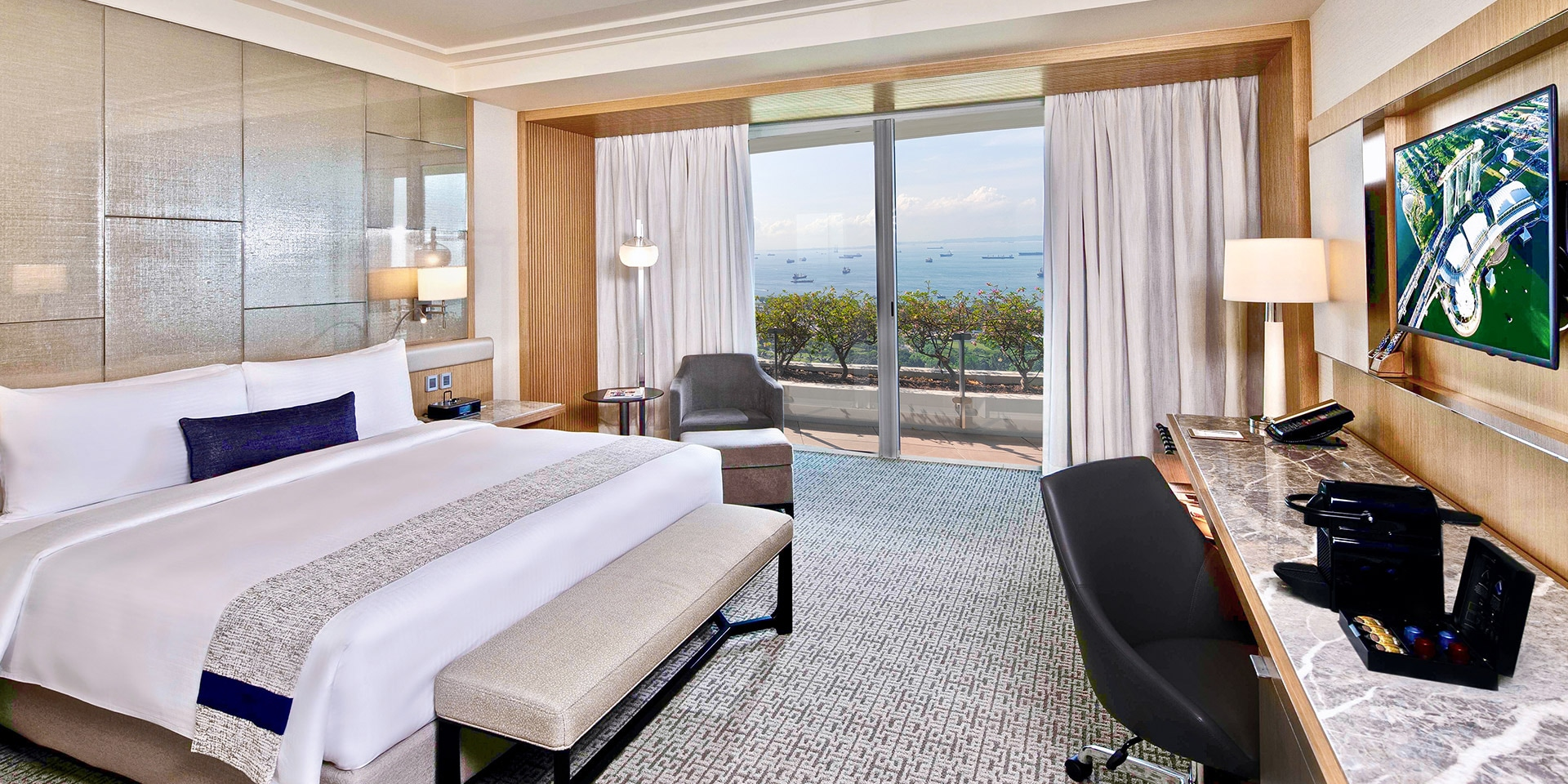 Club Room In Marina Bay Sands Singapore Hotel Hair Dryer Wiring Diagram At With King Bed And City View