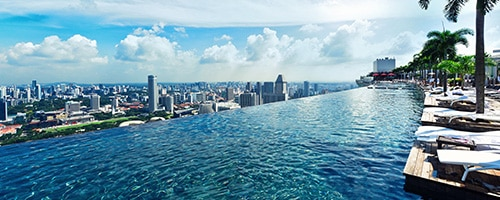 Deluxe room in marina bay sands singapore hotel for Marina bay sands swimming pool entrance fee
