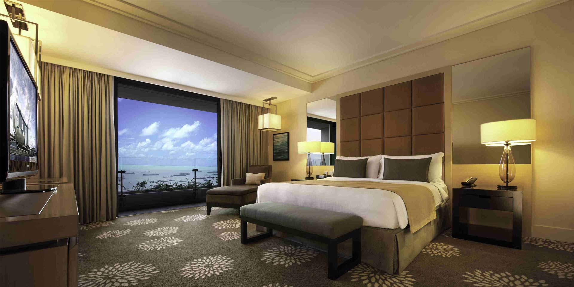 Club Room at Marina Bay Sands with King Bed and Garden View
