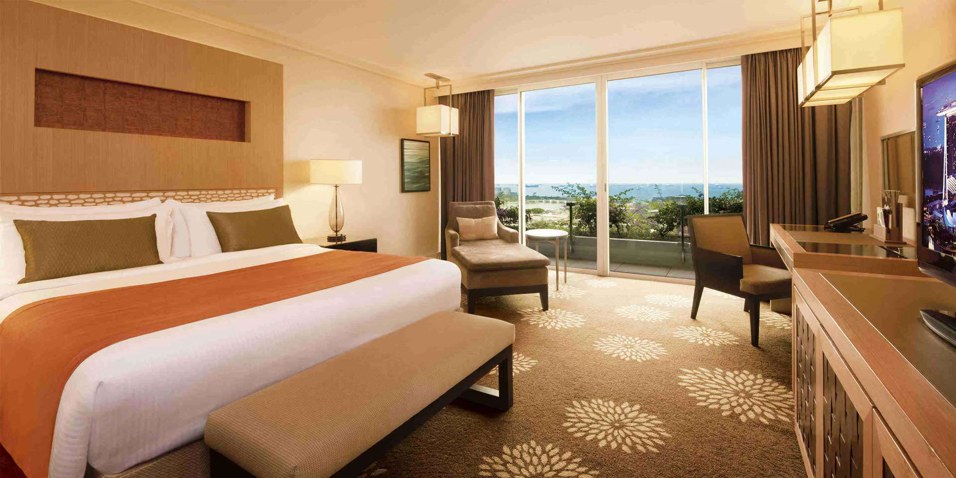 Premier Room at Marina Bay Sands with King Bed and Garden View