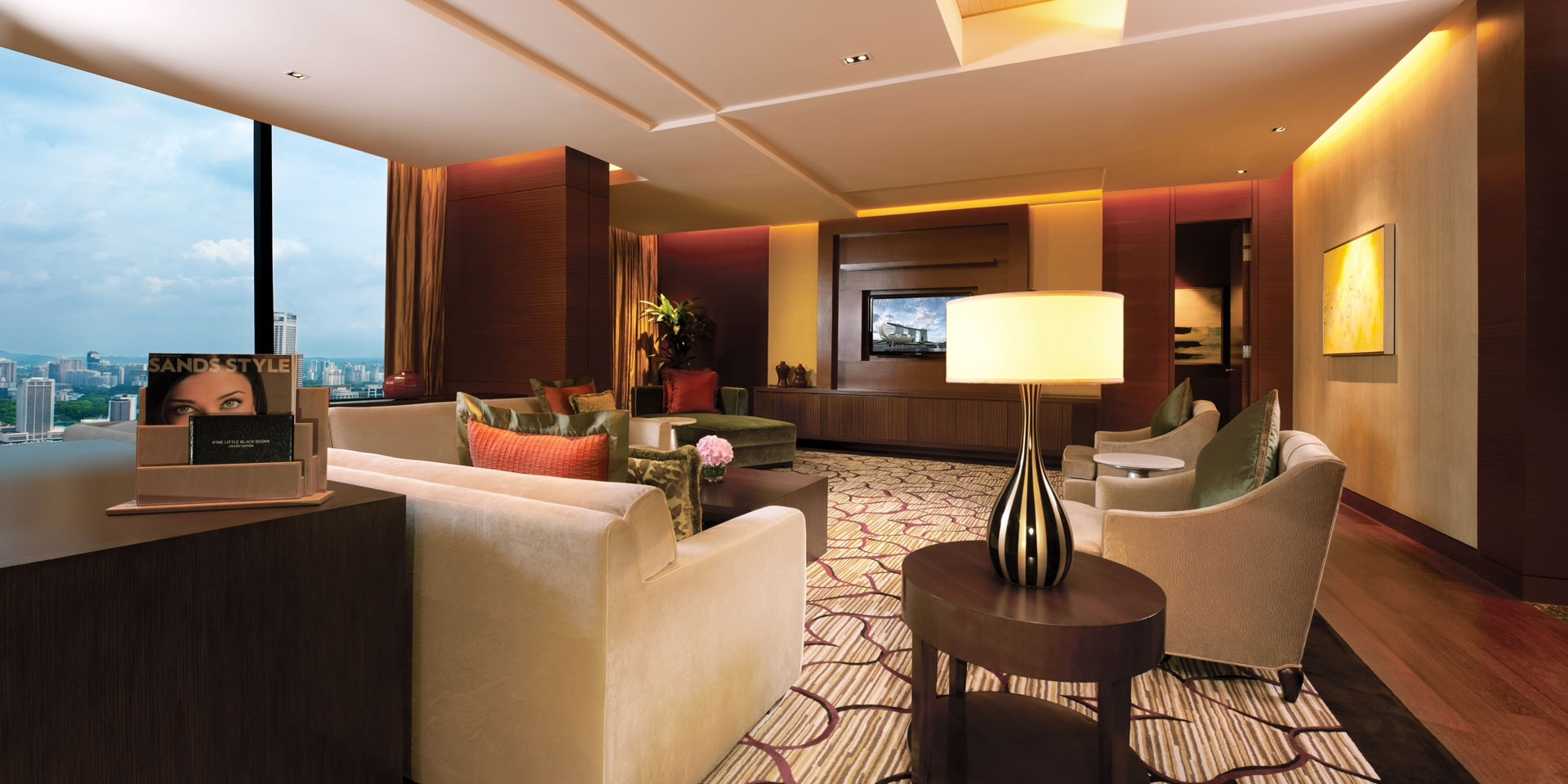 Straits suite in marina bay sands singapore hotel for Living room suit