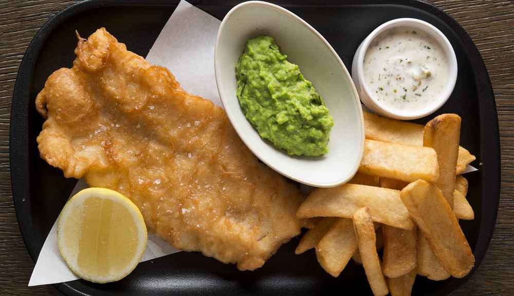 Bread Street Kitchen - Traditional fish & chips, crushed peas, tartar sauce