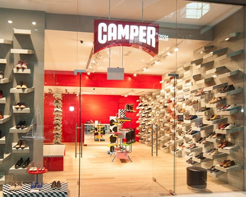 Camper at the Shoppes Marina bay sands
